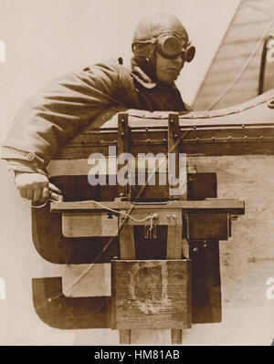 Aerial Photograpic Camera WW1 being used from the cockpit of a by-plane - Stock Image