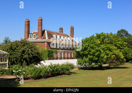 Georgian Commissioner's House and back garden built 1704 is oldest naval building in England. Historic Dockyard Chatham Kent UK Britain - Stock Image