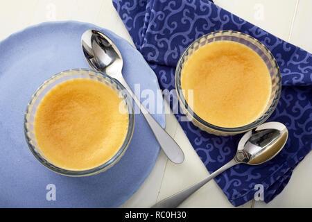 Vanilla bean pot de creme - Stock Image