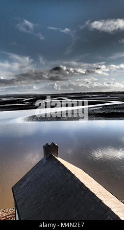 Dylan Thomas's Boat House at sunrise  (1914-1953) lived at the Boathouse in Laugharne for the last four years - Stock Image