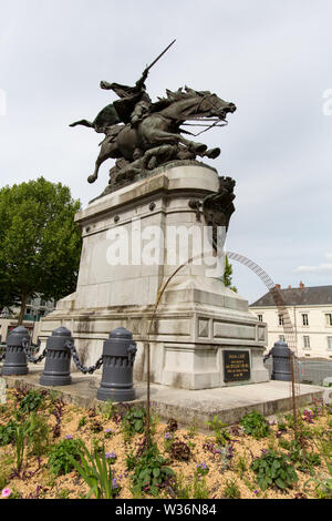 Chinon, France. Picturesque view of the bronze equestrian statue of Joan of Arc. Located at the Place Jeanne d'Arc, the statue was sculpted by Jules R - Stock Image
