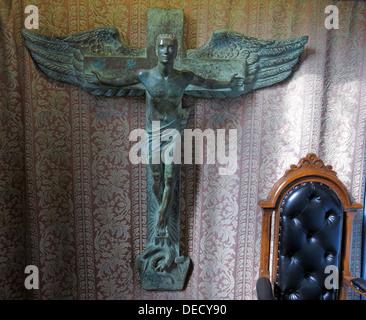 Bronze Crucifix Art inside the Canongate Kirk, Edinburgh Old Town,153 Canongate, Edinburgh, Midlothian EH8 8BN - Stock Image