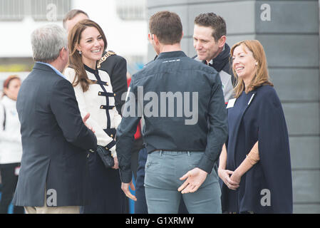 Portsmouth, UK. 20th May 2016. Duchess of Cambridge arrives at Landrover BAR and the 1851 Trust and laughs with - Stock Image