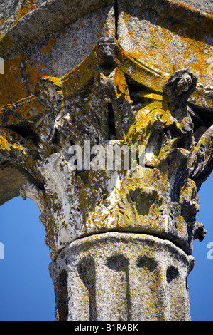 Corinthian fluted granite column with ornate capital, Temple of Diana, Evora, Alentejo, Portugal, Europe - Stock Image