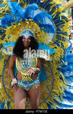 Montreal, Canada. 7th July, 2018. Acolorful costume at the  Carifiesta parade in downtown Montreal. Credit: richard prudhomme/Alamy Live News - Stock Image