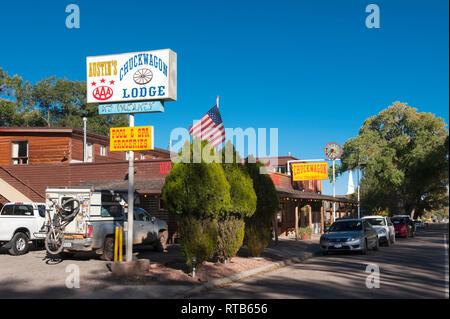 Austin's Chuckwagon Lodge, a motel in Torrey, Utah, USA. - Stock Image