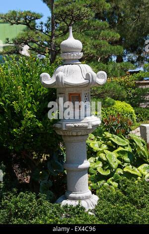 Stone Lantern, Jardin Japonais, Monaco. Japanese Garden Ornament. - Stock Image