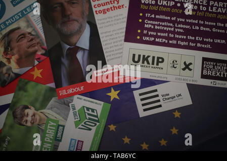 Election campaign literature from the Brexit Party, Labour, the Green Party, Change UK and UKIP, for the European Parliament elections. - Stock Image