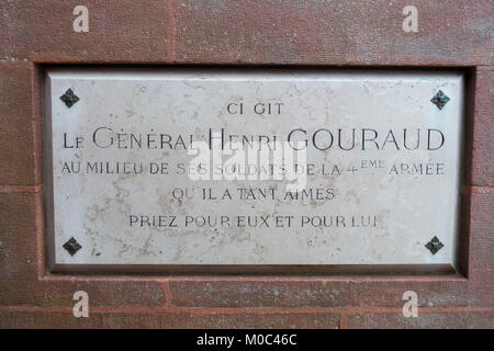 Marble slab remembering General Henri Gouraud, as found on the Monument Ossuaire de Navarin - Stock Image