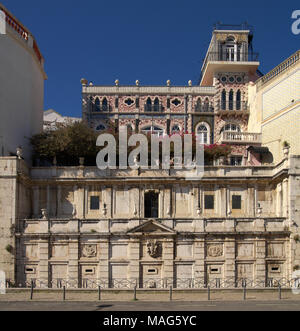 Frontal view of Kings fountain monument (Chafariz Del Rei) in Alfama disctrict, built in the XIII century and rebuilt in 1864, below the palace of the - Stock Image