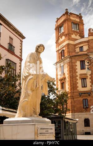 Spain, Cadiz, Plaza de las Flores, statue of Lucio Junio Moderato Columele, agricultural writer, outside, post Office - Stock Image