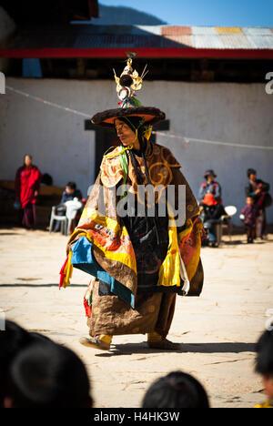 Buddhist Black Hat Dance at Black-necked Crane Festival, Gangte Monastery, Phobjikha Valley, Bhutan - Stock Image