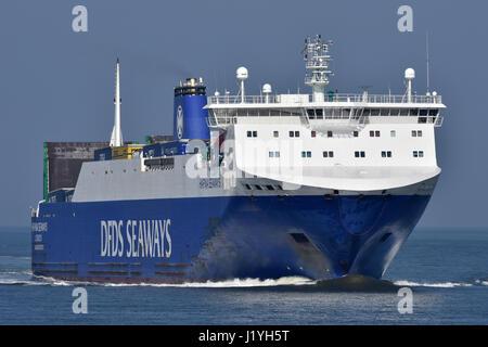 Hafnia Seaways inbound Cuxhaven from Immingham - Stock Image