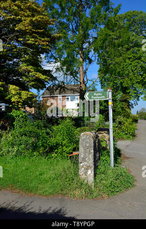 Public footpath, starting on a residential street, Boughton Monchelsea village, Kent, England. - Stock Image