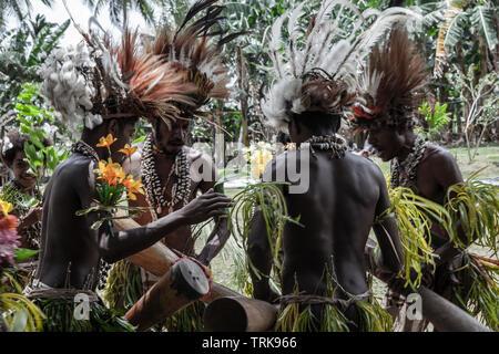 Traditional Sing Sing of Kofure, Tufi, Oro Province, Papua New Guinea - Stock Image