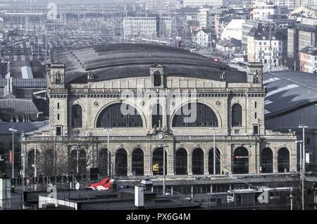 Railway station, Switzerland, canton Zurich, Zurich - Stock Image