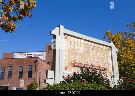 Wilmington, North Carolina. Shops in the historic Cotton Exchange. - Stock Image