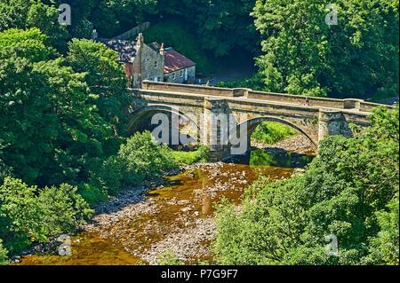 Historic bridge over the River Swale in Richmond, North Yorkshire - Stock Image
