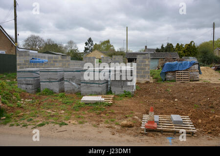 Partially constructed house in the north Oxfordshire village of Hook Norton - Stock Image