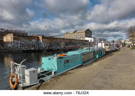 Houseboats moored on the River Lea at Hackney Wick: London. - Stock Image