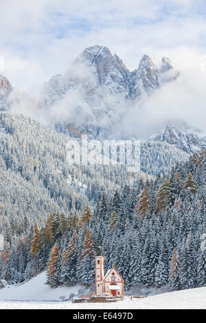 Snow, winter, St Johann Church, Val di Funes, Dolomites, Italy - Stock Image