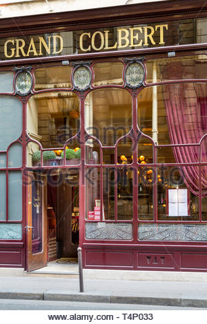 Front exterior of Le Grand Colbert Restaurant in the 2nd Arrondissemont, Paris, France - Stock Image