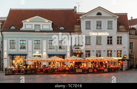 Evening in Old Town Square, Tallinn, Estonia - Stock Image