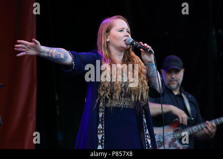 Montreal, Canada. Layla Zoe from B.C. performs on stage at the Montreal International Jazz Festival. - Stock Image