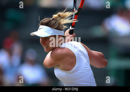 Wimbledon, UK. 11th July 2019, The All England Lawn Tennis and Croquet Club, Wimbledon, England, Wimbledon Tennis Tournament, Day 10; Elina Svitolina (UKR) in action against Simona Halep (ROM) Credit: Action Plus Sports Images/Alamy Live News - Stock Image