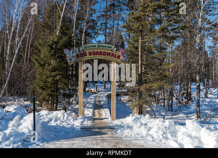 Entrance to the Warren Woessner boardwalk at the Sax-Zim Bog, a natural bog and forest in northern Minnesota. Duluth, Minnesota, USA. - Stock Image