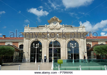 Gare de Toulon - the railway station serving the city of Toulon, in the Var department, Provence-Alpes-Côte d'Azur region, southern France. - Stock Image