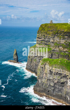 Cliffs of Moher, The Burren, County Clare, Munster, Republic of Ireland, Europe - Stock Image