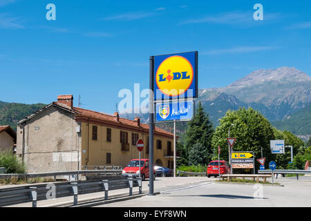 Lidl discount supermarket in the town of Susa, Piedmont, Italy - Stock Image