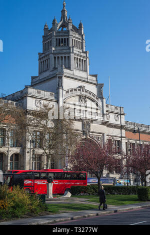 Cromwell Road façade of the Victoria and Albert museum, London, England, UK - Stock Image
