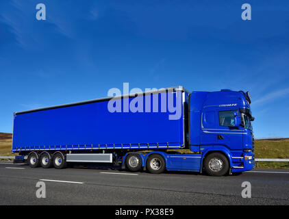 Streamline Shipping Group HGV. M6 motorway Southbound carriageway, Shap, Cumbria, England, United Kingdom, Europe. - Stock Image
