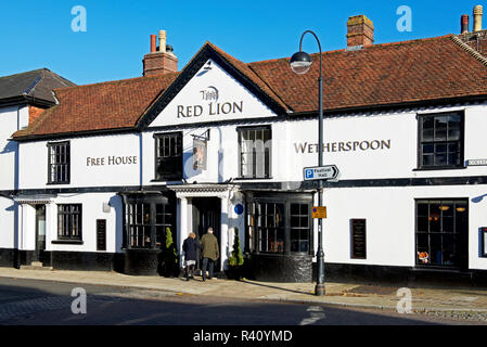 The Red Lion, a Wetherspoon pub in Petersfield, Hampshire, England UK - Stock Image