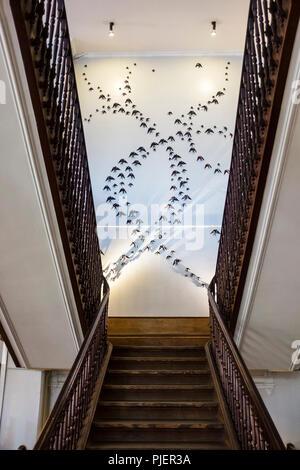 Interior staircase of A Vida Portuguesa, a beautiful store selling Portuguese products, Clérigos, Porto, Portugal. - Stock Image