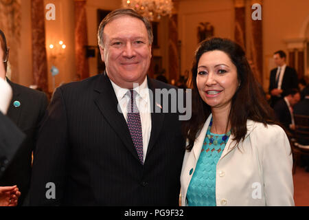 Secretary Michael R. Pompeo poses with Ambassador at Large for Alliance of Civilizations and Interreligious Dialogue of the Kingdom of Spain Belen Alfaro during the working luncheon for the Ministerial to Advance Religious Freedom at the U.S. Department of State, in Washington, D.C. - Stock Image