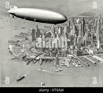 LZ 129 Hindenburg Zepplin registration number D-LZ 129 airship over Manhattan Island, New York City September 1936. - Stock Image