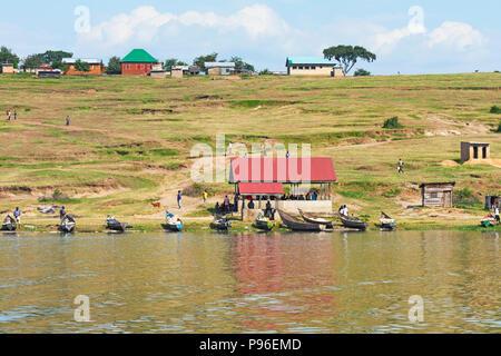 Fishing Village, Kazinga Channel, Uganda - Stock Image