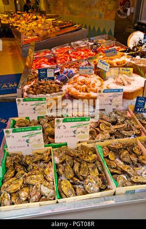 Seafood shop, Rue Mouffetard, Latin Quarter, Paris, France - Stock Image