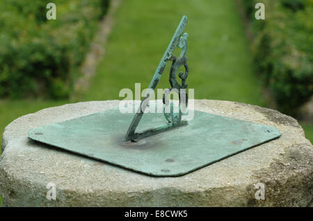 Green metal sundial - Stock Image