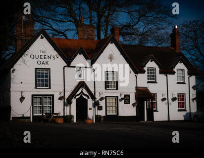 Old English Country Public House exterior - Stock Image