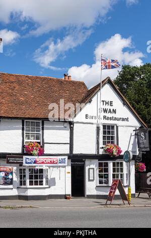 16th century The Swan At Iver, High Street, Iver, Buckinghamshire, England, United Kingdom - Stock Image