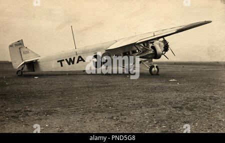 1930s TWA TRANS WORLD AIRLINES FORD TRI-MOTOR TRIMOTOR AIRPLANE  - o6388 CAR005 HARS OLD FASHIONED - Stock Image