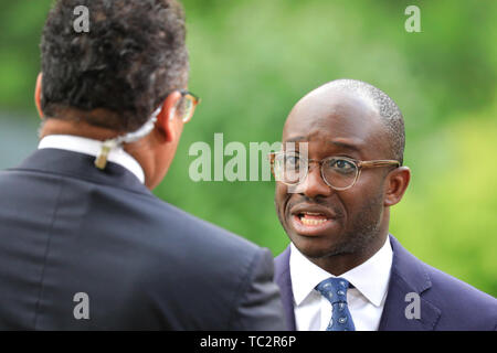 London, UK, 04th June 2019. Sam Gyimah, Conservative MP and Tory Leadership candidate, former Education Secretary, speaks to Channel 4 News presenter Krishnan Guru-Murthy. Gyimah threw his hat in the ring for the Tory leadership on June 02nd, becoming the first candidate to back a second referendum on Brexit. Credit: Imageplotter/Alamy Live News - Stock Image