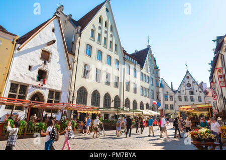 Tallinn Old City, view on a summer afternoon of Vana turg - a busy street in the medieval Old Town quarter of Tallinn, Estonia. - Stock Image