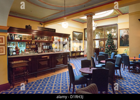 KATOOMBA, Australia - The bar, Champagne Charlies, inside the historic Carrington Hotel in Katoomba in the Blue - Stock Image