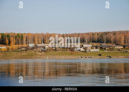 village, settlement of the old believer community on the Bank of the Yenisei river - Stock Image