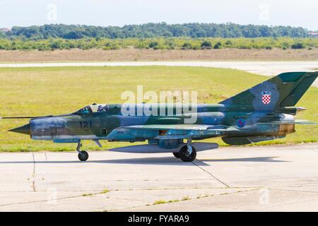 HRZ MiG-21 BIS taxi taxiing Croatian Air Force - Stock Image